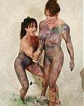 Versaute nackte Bodybuilderinnen zeigen sich in versauten Posen nackt und von ihrer kinky Seite.