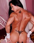 Sexy Bodybuilerdinnen nackt posen und zeigen ihre Muskelvotzen